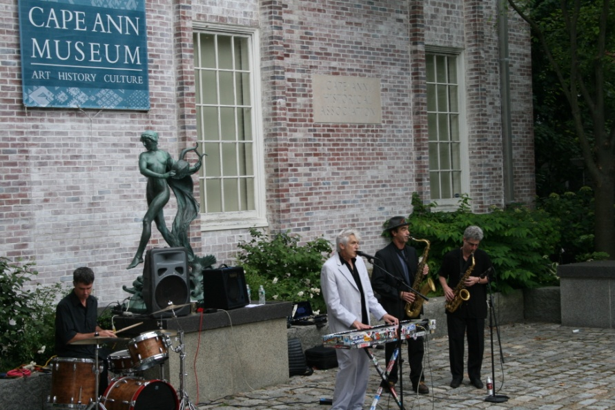 Willie Alexander performing in the Courtyard, 2011.
